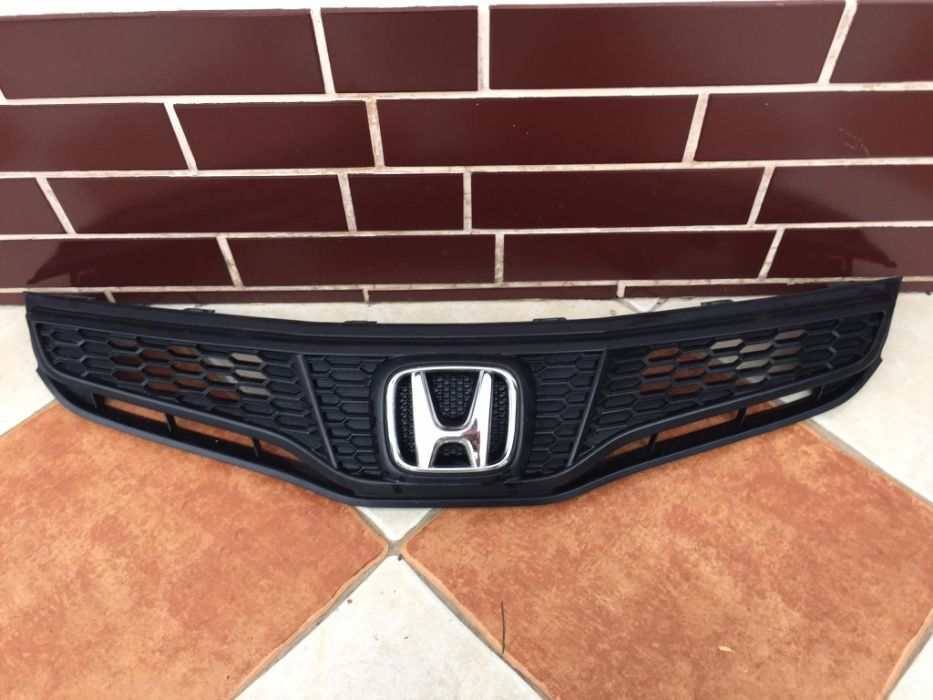 Grill Atrapa Honda Jazz Lift Prusice - image 1