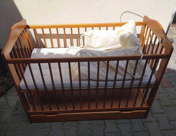 Łóżeczko drewniane +dodatki