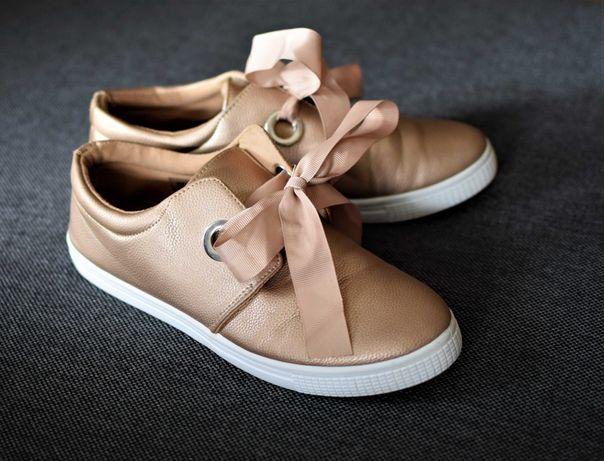 Półbuty Sneakersy niskie rozmiar 37