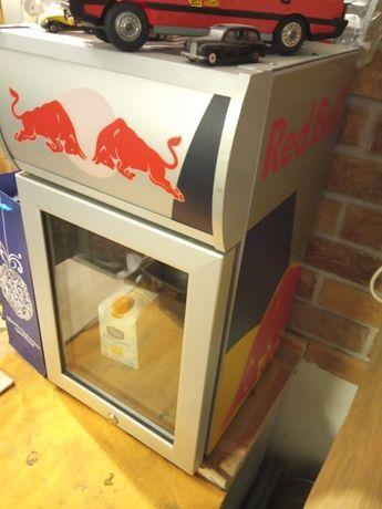 Lodówka lodoweczka Red Bull super chłodnia bar dom gastronomia fast