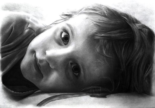 portret ze zdjęcia rysunek realistyczny - prezent na wiele okazji