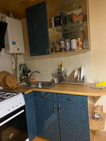Продам за договірну ціну кутову кухню,можу з плиткою та витяжкою.