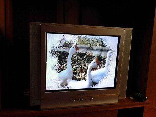 Телевизор Samsung + тюнер т2 strong