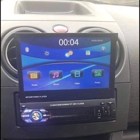Radio com abertura manual 80€