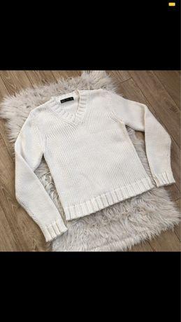 Biały sweter ZARA