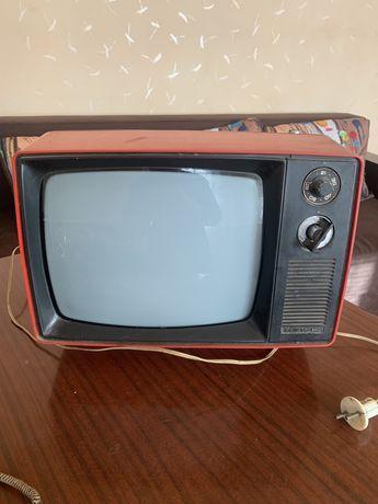 Телевизор «Юность - 402» производство СССР