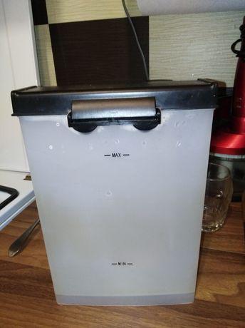Контейнер, резервуар для воды для кофеварки Vitek.