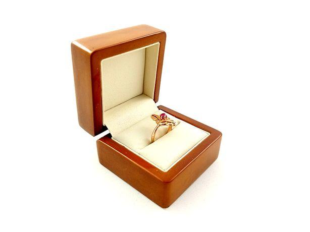 Złoty pierścionek z różową cyrkonią PR. 585 Waga: 2,81g
