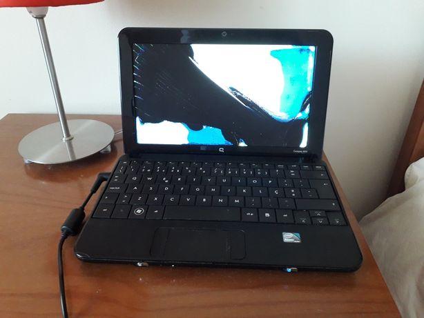 Portátil HP Compaq mini 110 com ecrã partido
