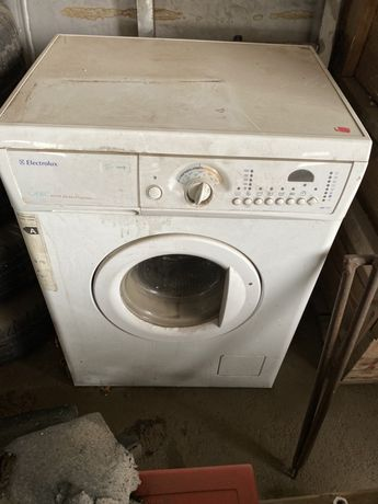 Стиральная машинка Electrolux EWS 1046