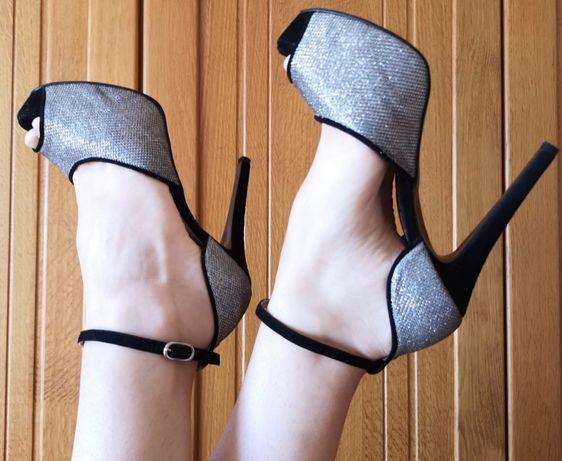 Sandálias Manuel Alves, preto e prata, tamanho 36
