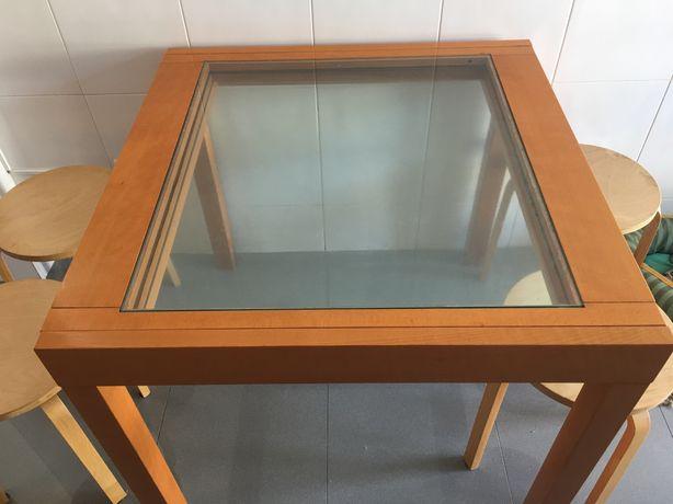 Mesa de cozinha (vidro) extensível + 4 bancos