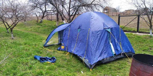 Палатка 4 - х местная McKinley