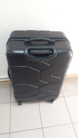 Продам  чемодан дорожный большой