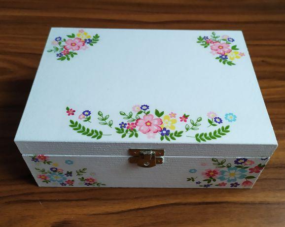 Pudełko drewniane, herbaciarka, niezbędnik małżeński, kwiaty, wesele