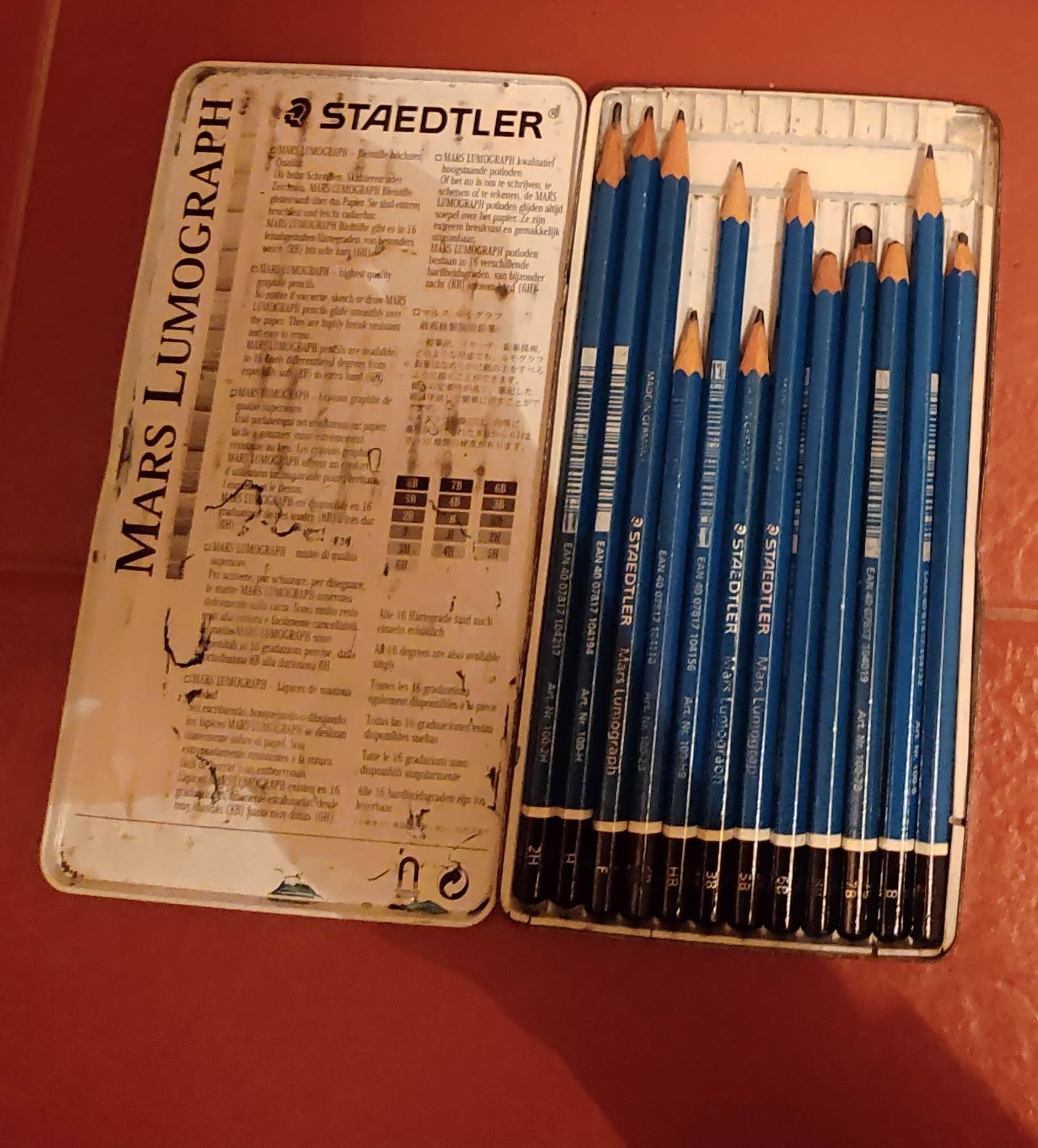 Lápis de carvão 2H até 8B STAEDTLER