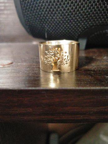 Продам кольцо мед золото