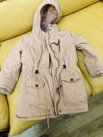 Пальто на девочку Reserved 4-6 лет