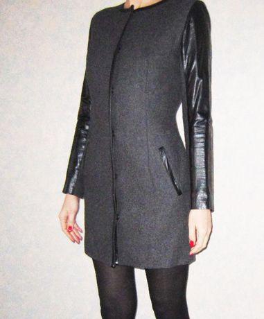 шерстяное пальто с кожаными рукавами