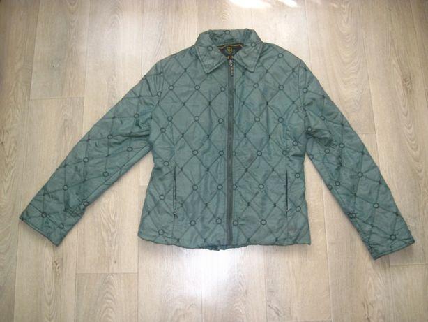 Куртка - ветровка 42 размера.