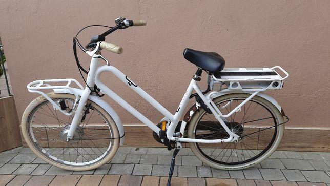 """Rower Elektryczny Miejski Batavus Utility Bike 26"""" Nexus Niska Rama"""