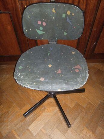 Офісне крісло, для дитини.