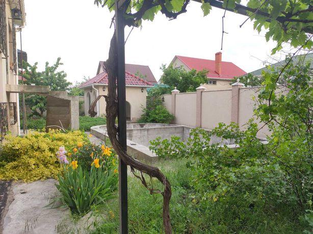 Хозяйский дом  с бассейном с ракушечника  9 соток Червоный хутор
