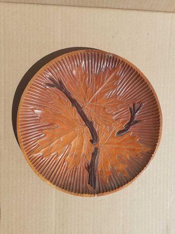 Тарелка настенная деревянная