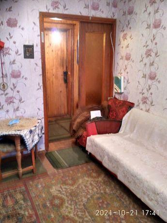 Продам 1- но комнатную квартиру с нишей в центре