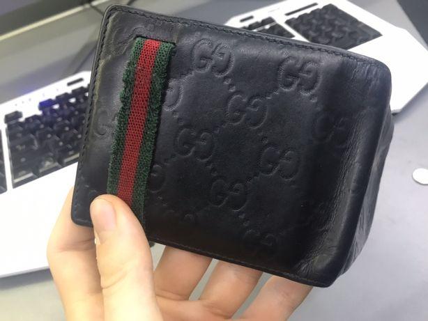 Czarny portfel Gucci