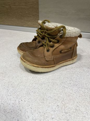 Осенние ботинки нубук 22 р