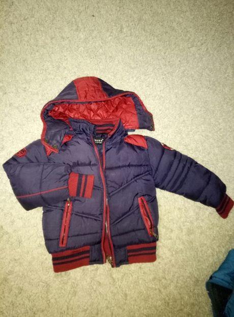 Демісезонна куртка на хлопчика. Демисезонные куртки для двойни