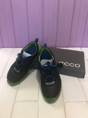 Продам кроссовки Ecco