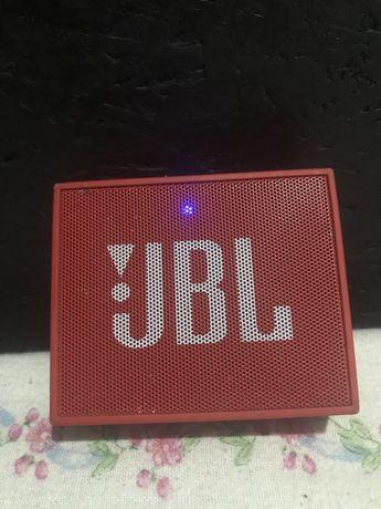 Coluna JBL impecável.