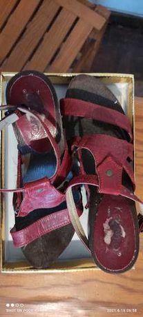 Sandálias Vermelhas Nº 37