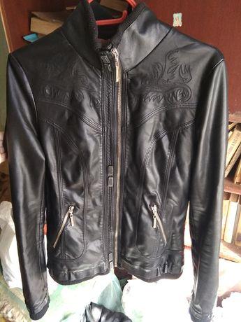 Куртка чёрная кожа кожаная