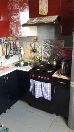 1-я квартира в кирпичном доме в центре с. Александровка