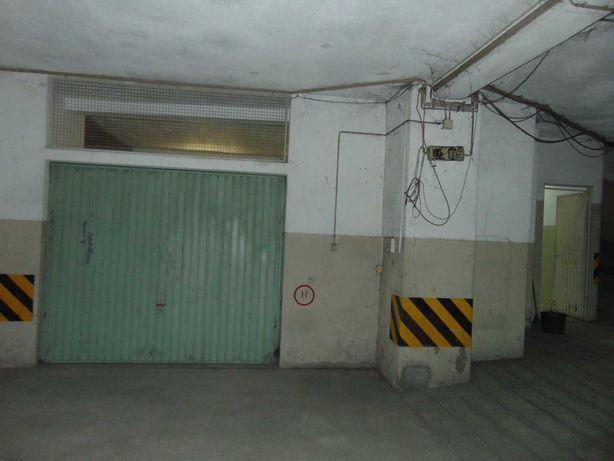 Garagem com armazem a 1 minuto da camara de Gondomar