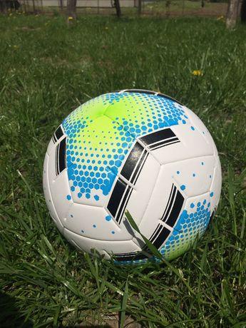 Футбольний мяч