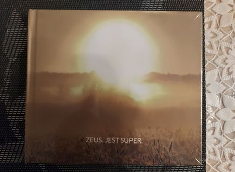 Zeus - Jest super.