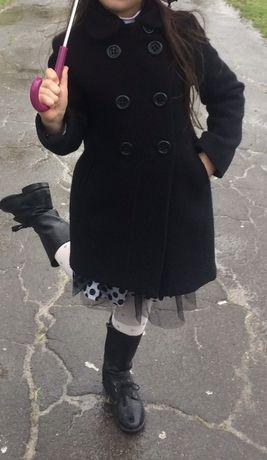 Класно стильное пальто фирмы Zara для девочки 5-6 лет