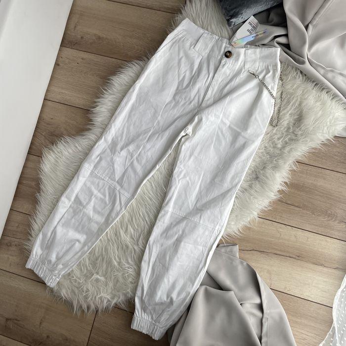 Białe spodnie cargo joggery Gdańsk - image 1
