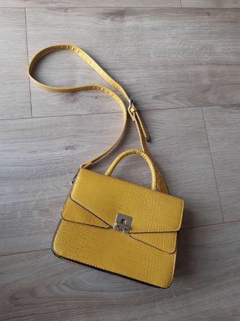 Żółta musztardowa mała torebka przez na ramię crossbody Stradivarius