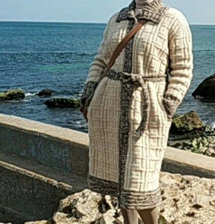 Пальто вязаное ручная работа