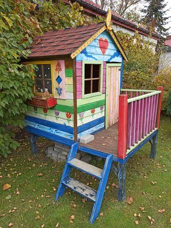 Domek ogrodowy dla dzieci drewniany na zewnątrz