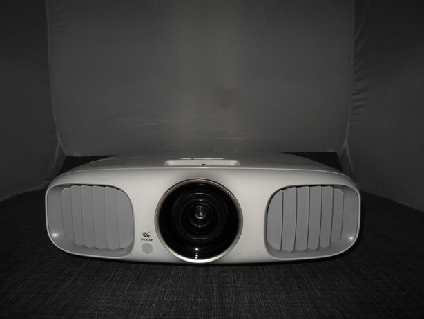 Projektor LCD EPSON EH-TW5900 Full HD HDMI czas pracy TYLKO 74h !!!