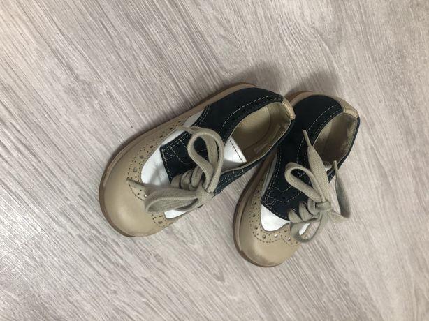 Продам детские туфли кожанные 21 размер
