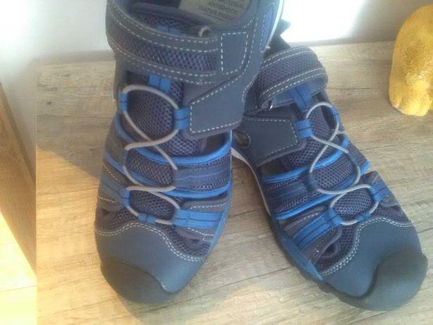 Sandały z firmy Geoxs