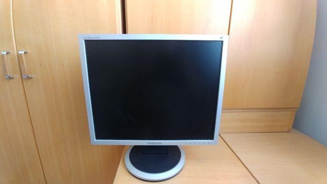 "Monitor Samsung SyncMaster 940BF 19"""