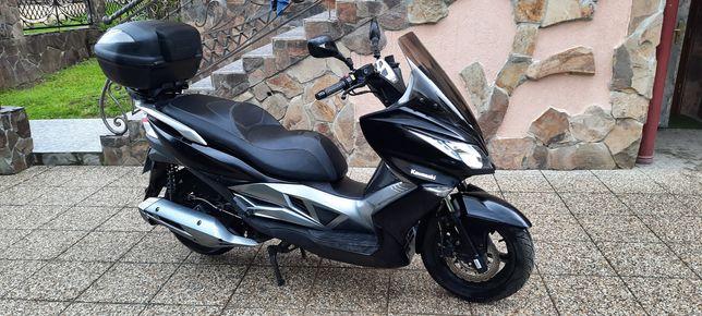 Kawasaki J 125 maxi scooter